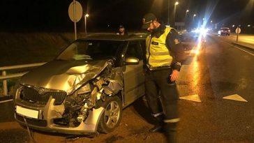 Vei ved Solakrossen stengt etter trafikkulykke